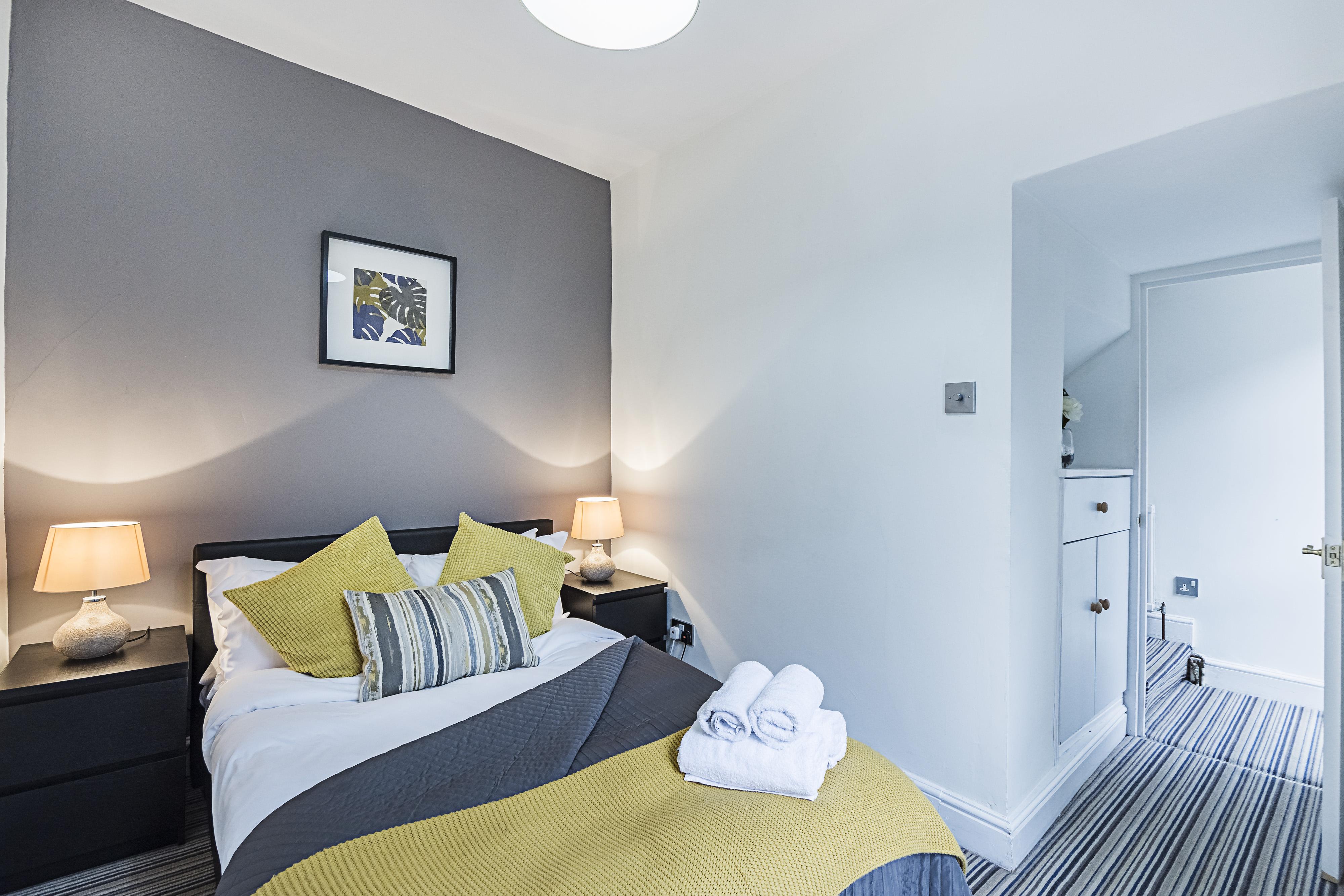 Mornington Crescent Apartment